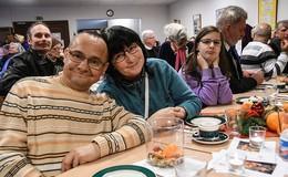 Von Einsamkeit keine Spur: 34. traditionelle Weihnacht bei Caritas