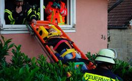 Großübung mit 30 Ehrenamtlichen: Menschenrettung aus Trümmerhaus