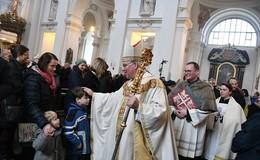 Weihnachtsmesse mit Weihbischof Diez: Hoffnung und Licht durch Gottes Liebe