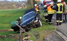 Junger BMW-Fahrer (20) baut Crash unter Alkohol: Hoher Sachschaden