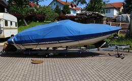 Mann unter Bootstrailer eingeklemmt, nicht lebensbedrohlich verletzt