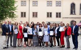 Freisprechungsfeier der Friseur-Innung mit 20 Junggesellinnen