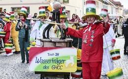 Geisaer trotzen Schmuddelwetter: Rosenmontagszug begeistert - Bilderserie (2)
