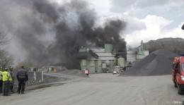 Großbrand im Basaltwerk F. C. Nüdling: Über sieben Millionen Euro Schaden