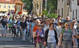 Bonifatiusfest - Tausende Pilger am Weg zum Grab des Apostels der Deutschen