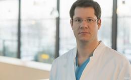 Dr. Marco Krenzer, leitender Oberarzt der Medizinischen Klinik II, verabschiedet