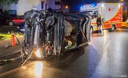 Alkohol und dickes Auto: Junger Mann (20) verursacht hohen Schaden