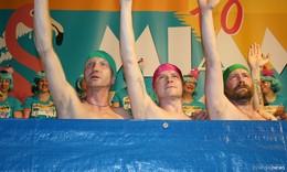 Welcome to Miami: Begeisterungsstürme für knallige Weiberparade in Pink