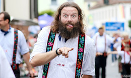 Historischer Festumzug beim Trachtenfest begeistert - Bilderserie (1)