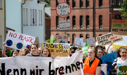 Für unsere Umwelt: 200 Schüler nutzen Hessentag als Sprachrohr