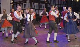 Farbenfrohe Tänze beim Schlitzerländer Trachtenfest - Bilderserie