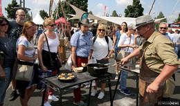 Feuer und Fleisch zum Glücklichsein - Besucheransturm bei Grillmeisterschaften