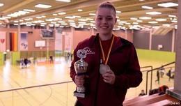 Sarah Rau feiert Bronzemedaille im Doppel