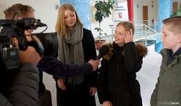 Drei junge Reporter bekommen Einblicke bei der Bundespolizei