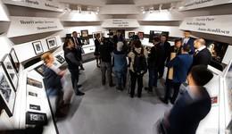Frankfurter Buchmesse eröffnet: Appell für Menschenrechte - und das Buch