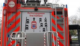 Haltet die Rettungsgassen frei: Aufkleber für 14 Feuerwehren in Osthessen