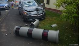 Autofahrerin kracht gegen Blitzer - über 100.000 Euro Sachschaden
