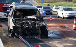 Feuerwehreinsatz im Berufsverkehr: Audi Q5 auf der B27 abgebrannt
