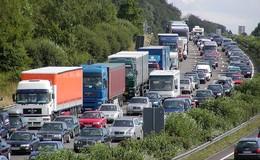 Pfingsten sorgt für volle Straßen: So rollt und steht der Verkehr in Hessen