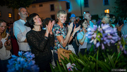 Scholz and Friends auf der Bühne: Bilderserie (2) von Martin Engel