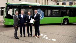 Acht-Jahres-Vertrag: Busverkehr im Landkreis weiterhin mit der RhönEnergie