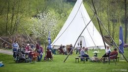 Zu Gast bei den Rhön Indianern: 400 Gäste im Tipi-Dorf
