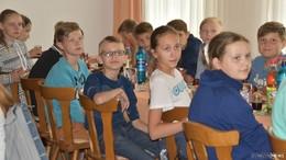 Tschernobyl-Kinder genießen Gastfreundschaft - großer Basar am Sonntag