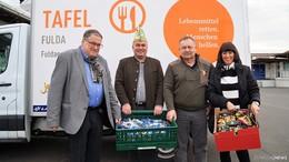 FKG spendet Rosenmontags-Süßigkeiten an Fuldaer Tafel