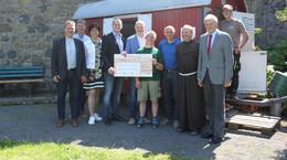 Familienbetrieb spendet 5.000 Euro für den Erhalt des Kloster Frauenbergs