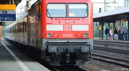 Lebensgefahr: Jugendliche springen auf rollenden Güterzug im Fuldaer Bahnhof