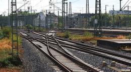 Baumaßnahmen an Zugstrecke: Einbau von elektronischem Stellwerk