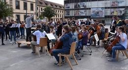 Waldorfschule Loheland: Flashmob statt Geburtstagsständchen