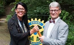 Anke Werdecker folgt als Präsidentin des Rotary Clubs Rhön auf Ulrich Bühler