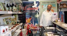 Herschfeller sind Feuer und Flamme: Lullusfest-Verein eröffnet Fanshop