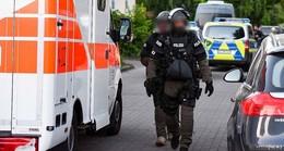 Ordnungshüter mit Schere bedroht: Ermittlungen wegen versuchten Totschlags
