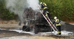 Ballenpresse ausgebrannt - Ich drehte mich um und sah die Flammen