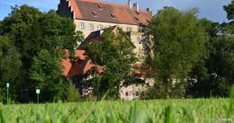 Zu Gast bei den Grafen von Luxburg: Museen Schloss Aschach laden ein