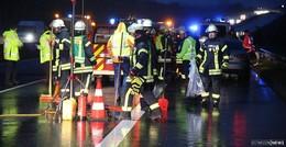 Serienunfälle auf Autobahn A5 - zwei Verletzte - zwei Stunden Vollsperrung