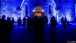 Dominic Mäcke und Gäste nachts im Museum - die Bar ist eröffnet!