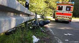 Zwei verletzte Personen bei Motorradunfall bei Mühlbach