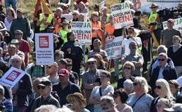 Bürger aus vier Bundesländern kämpfen gegen Stromtrasse Suedlink