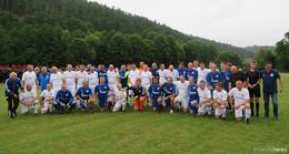 FC Schalke 04 mit Traditionself in Ronshausen, Weltmeister Olaf Thon dabei