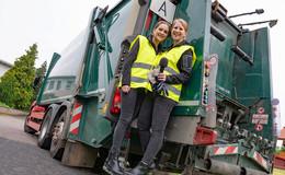 Im Kampf gegen den Müll: Nina und Luisa probieren sich als Müllfrauen