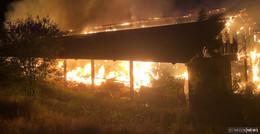 Lagerhalle brennt komplett ab - Rund 300.000 Euro Schaden