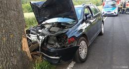 Alleinunfall: Mit Auto an der Langen Heide gegen Baum gekracht