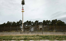 Der Baum steht: Gemeinsame Kirmes auf Point Alpha