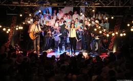 Kreuz meets Kreuzkirche: 600 Gäste singen gemeinsam Weihnachtslieder