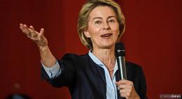 Verteidigungsministerin Ursula von der Leyen (CDU) kündigt Rücktritt an