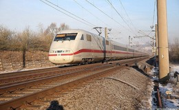 ICE stand mit 600 Reisenden stundenlang auf freier Strecke bei Rodenbach