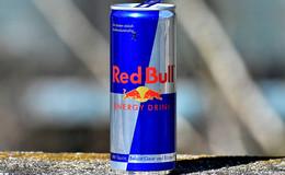 Red Bull verleiht Flügel: 32 Paletten auf und davon